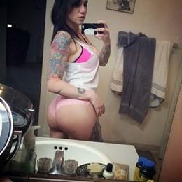 Perverse milf selfie in underwear her..