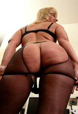 Bag ass granny, huge ass photo