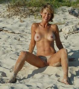 Free amateur porn - hot blonde..
