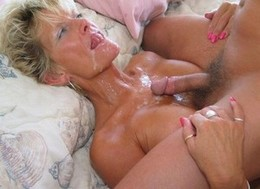Hot blonde mature in a amazing blowjob..
