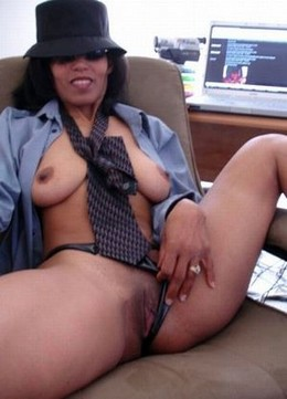 Old skool cougar from Cali wit a body..