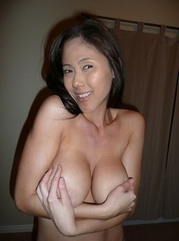 Real mature prostitute from Indonesia.