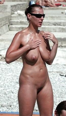 Milfs need boob-tans too.