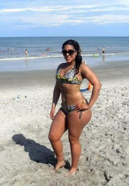 Big ass ebony babe pics from vacation