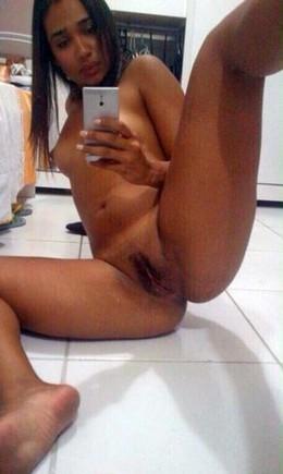Ebony latino girl pussy self-shots