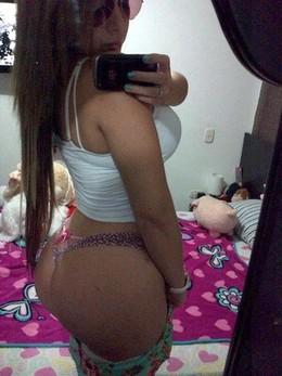 Horny latina bimbo selfshot her big..