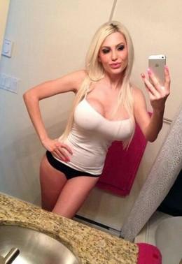 Blonde bimbo selfshot her big hot..