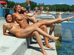 Crazy Beach Girls