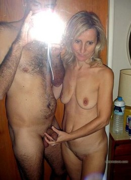 Nude swinger couple, homemade selfie