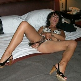 Yummy nude wife naked