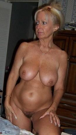 Amateur Hairy porn pics