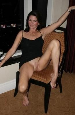 Amateur Middle Aged Woman porn pics