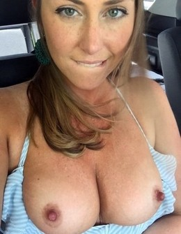 Milf flash.