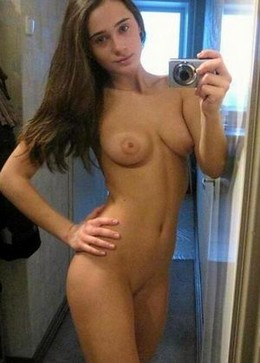 Hot teen girl selfie 1.