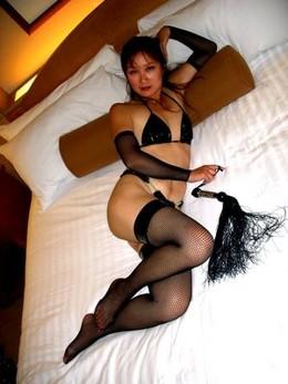Asian MILF amateur Pussy in Fishnet..