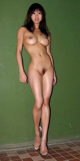 Sexy asian hottie with long legs.