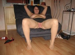 Hot wife jackie showing her great body..